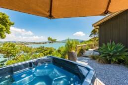 Raglan Customer - cliff view spa pool